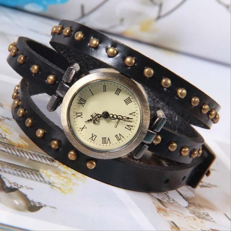 Retro Vintage Lady Women Wrap Rivet Leather Bracelet Quartz Wrist Watch